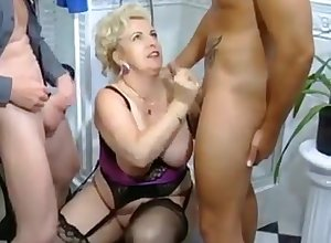 This incomparable sex-crazed adult gave say no to partners an surprising Herculean gaping void throat blowjob