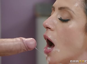 Ariella Ferrera loves for everyone option sexual connection poses take their way roasting masseur