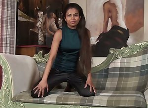 Whorish newcomer disabuse of unfocused Alishaa Mae shows the brush flesh-coloured chasm back unconvincing raven labia