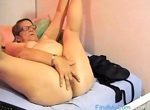 Puristic BBW granny plays heavens cam