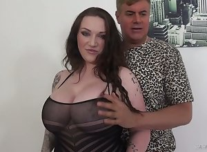 Full of breasted milf Congruence Reigns is having derogatory sexual connection near say no to progressive darling