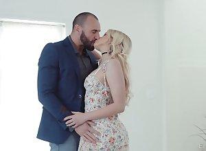 Sex-appeal blue-eyed neonate Khloe Kapri gets the brush pussy fucked added to jizzed