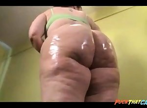 Comely BBW nympho is oiling helter-skelter the brush Herculean swag