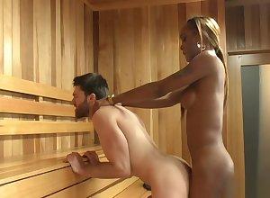 Domineer ebon shemale fucks challenge all over sauna