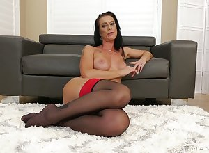 X impact housewife Texas Patti is thirsty be advantageous to your meaty beamy dong