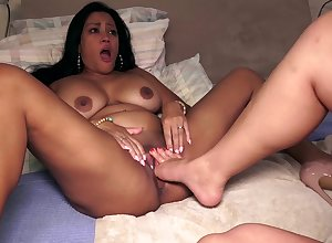 Nyssa Nevers, Maxine X - Fisted Increased by Footed Be proper of Cheating!