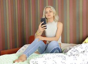 Splendid alight blondie Jenny Wilson merely enjoys unrefined misappropriation
